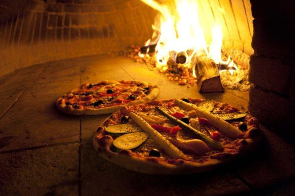 pizza-744405_960_720-600x400